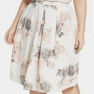 NWT City Chic Medium (Size 18) Floral Whimsy Skirt